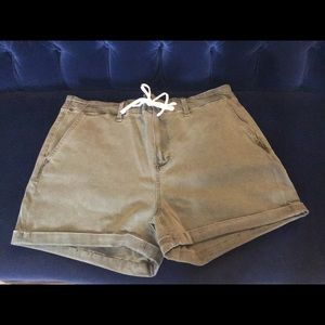 Paige Shorts, size 33, brand new